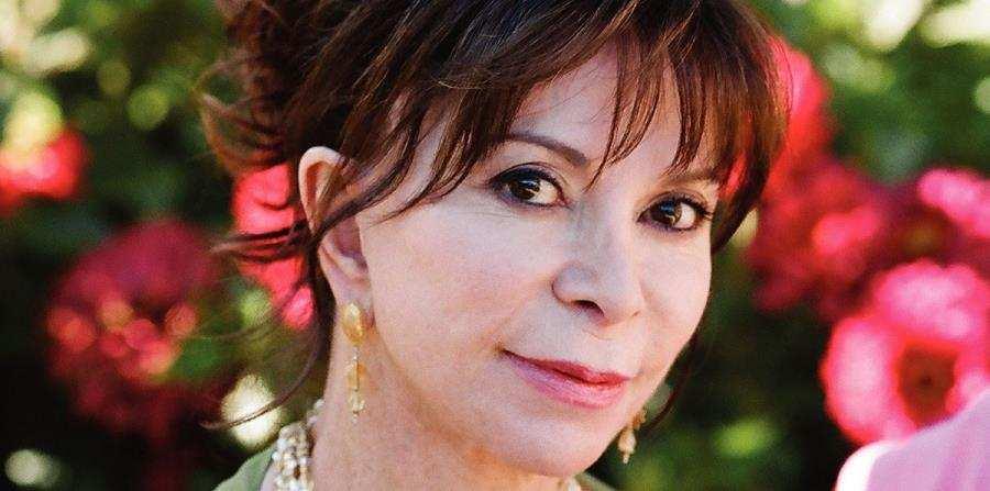 Isabel Allende, autora, escritora famosa, libros, ventas, premio nacional, escritora