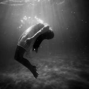 Nadadora de noche | Pedro Salinas